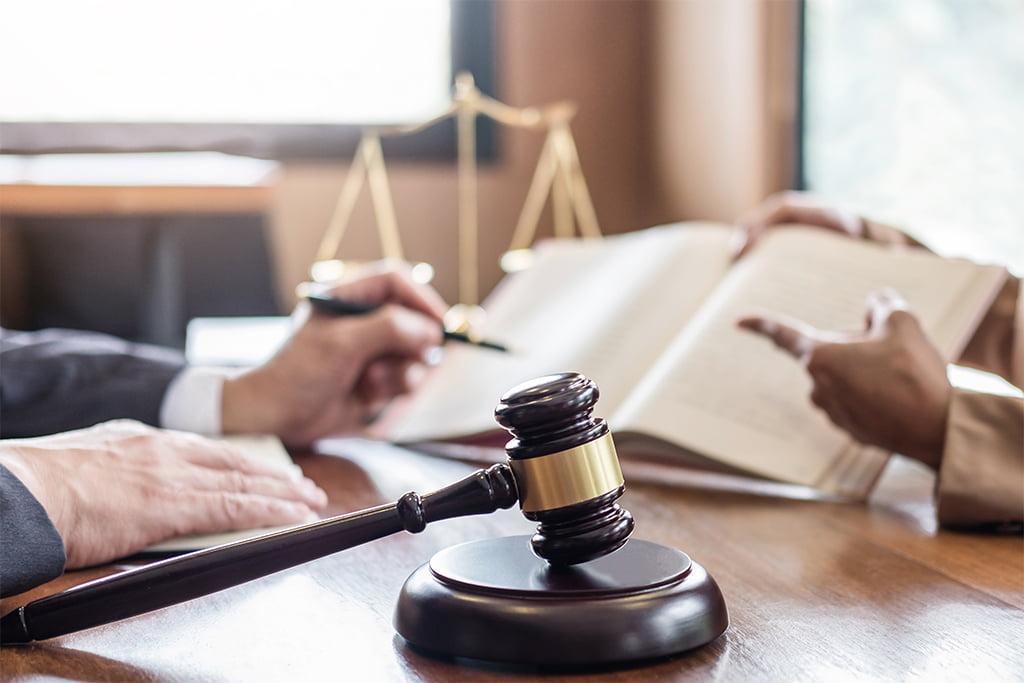 Limite legale raporturi vecinătate - Notar București